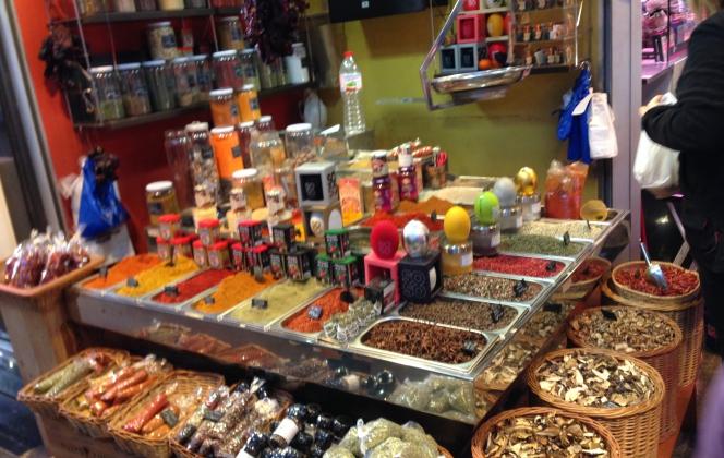 Barcelonai piac és fűszerpiac - video